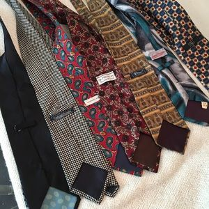 Lot of 7 vintage ties some silk unique GUC